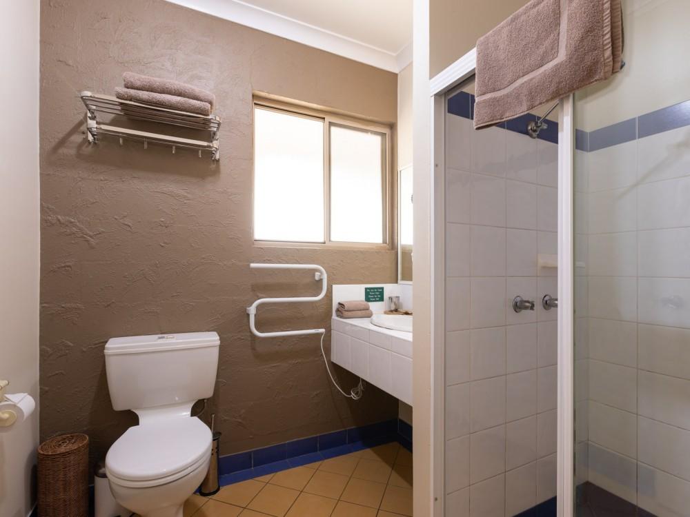 Echidna Cottage Bathroom